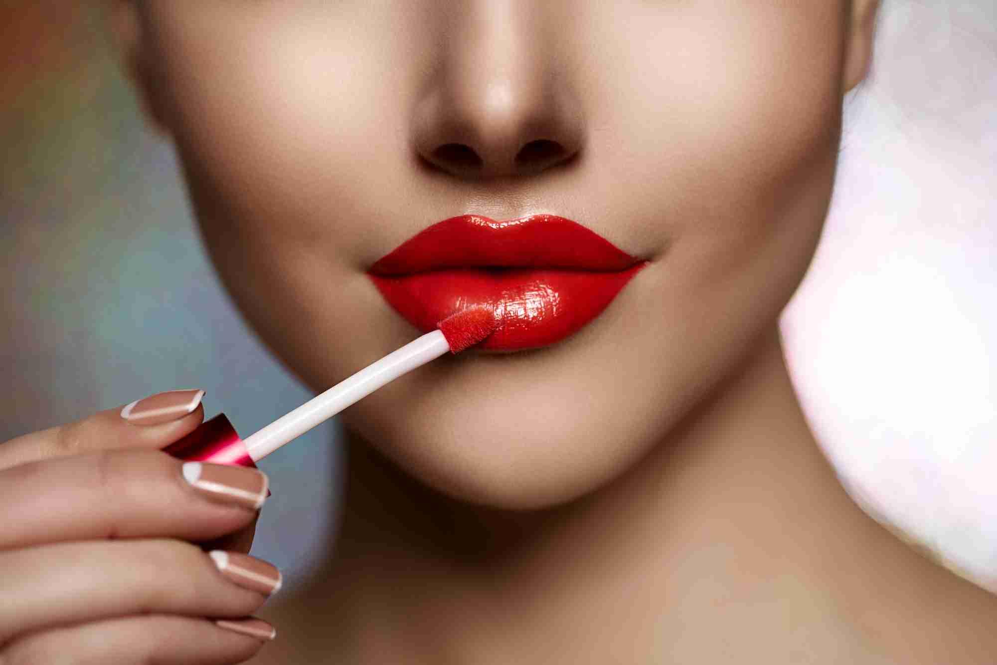 How to Apply Liquid Lipstick